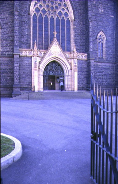 st patricks cathedral east melb external entrance