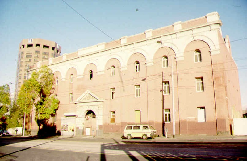 1 former carlton brewery malthouse swanston street facade sw may1999