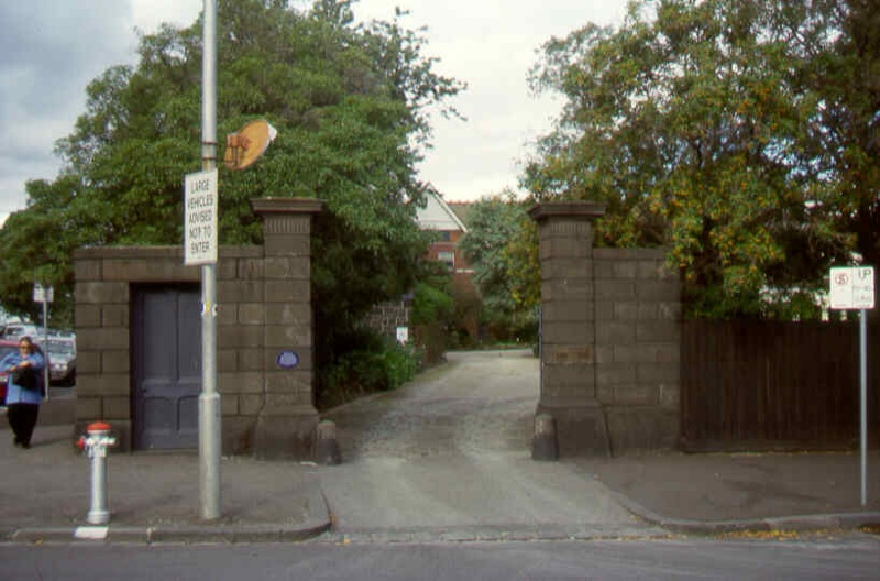 bishopscourt east melb front gates jc apr1999