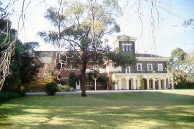 bishopscourt east melb front residence sw jun1999