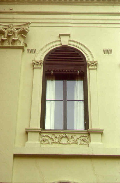 clarendon terrace window detail sw apr1999