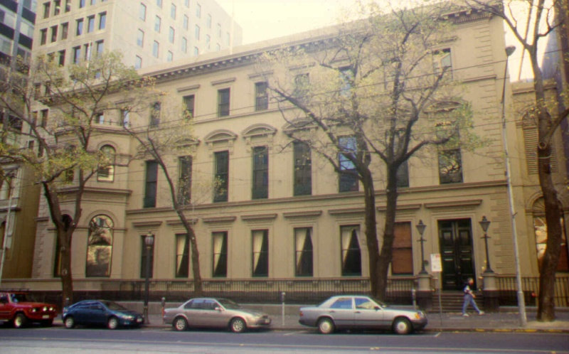 1 the melbourne club front elevation sw may1999