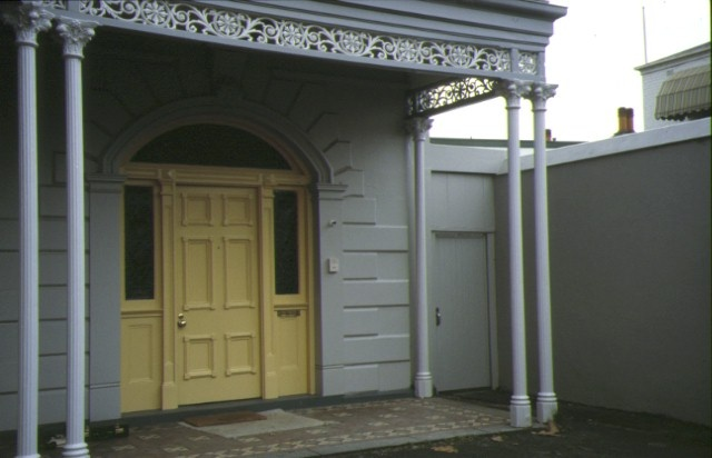 elizabeth house wellington prd east melb external entrance