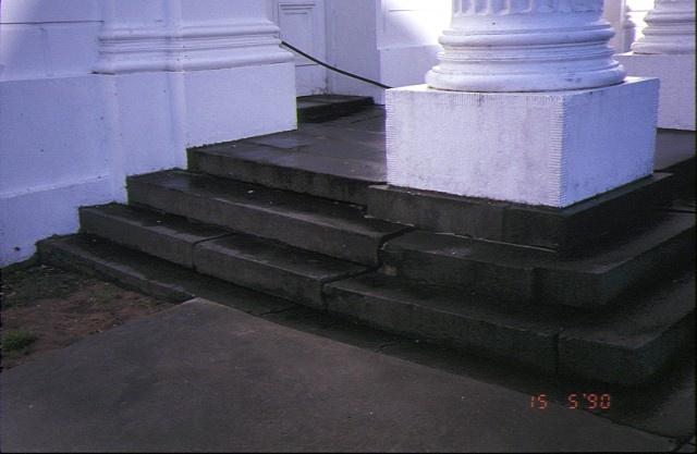 former baptist church ballarat portico steps