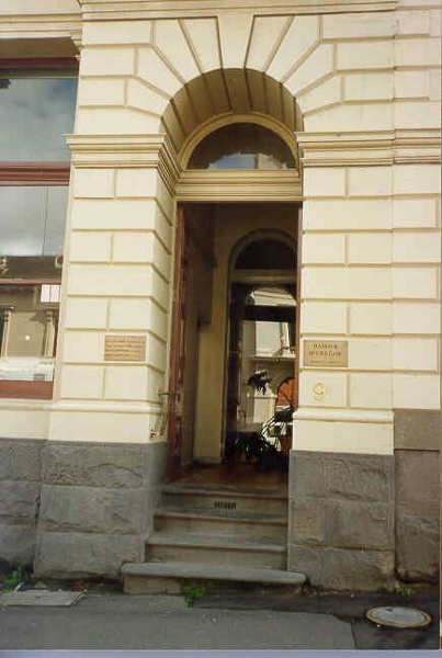 1 former es&a bank lydiard street north ballarat exterior entrance