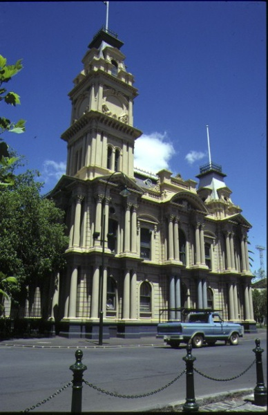 1 bendigo town hall front view