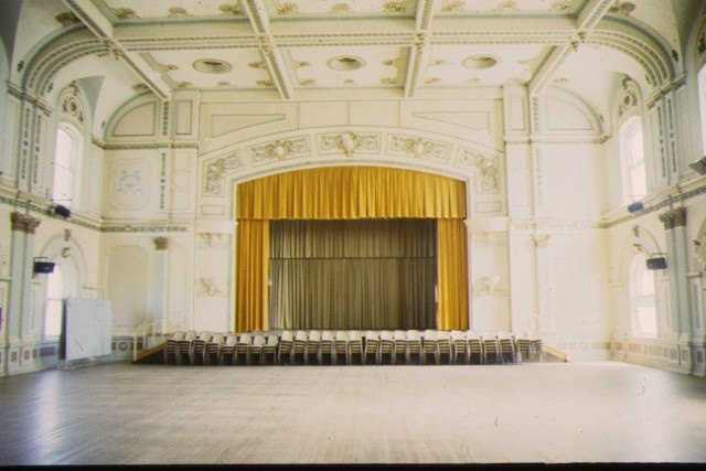 bendigo town hall hall and stage