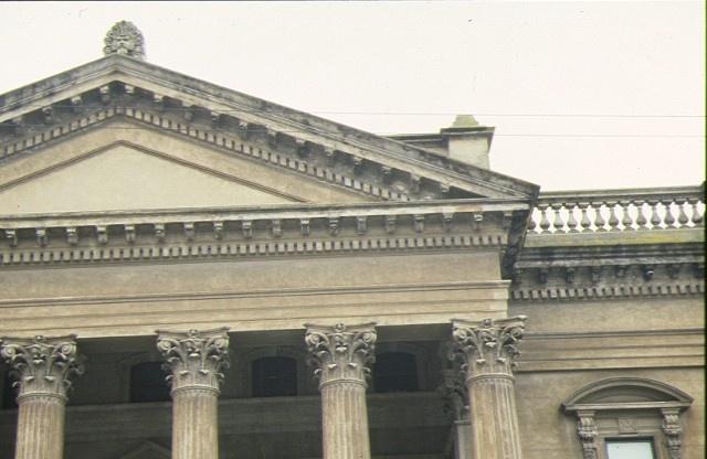 masonic hall bendigo detail pediment
