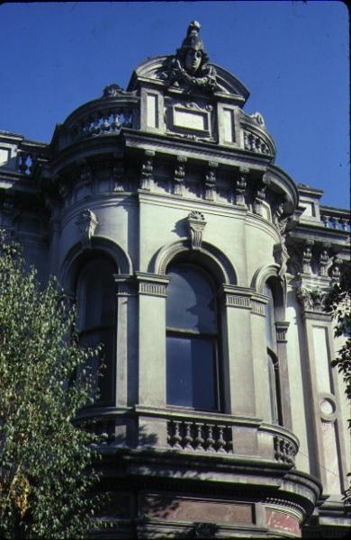 labassa caufield external windows