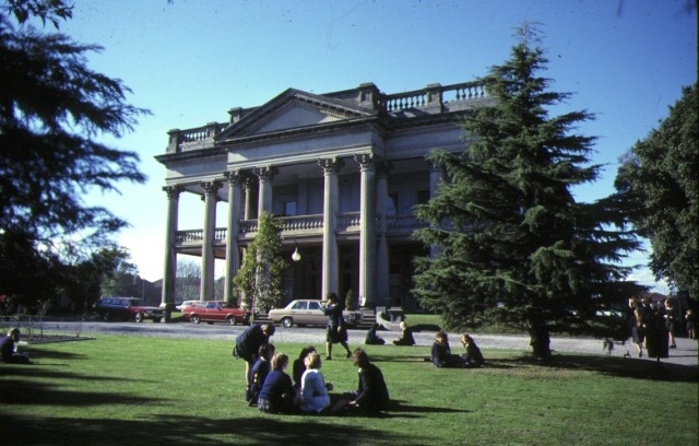 1 earlsbrae hall essendon front view