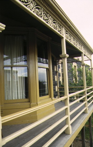 henderson house footscray verandah detail