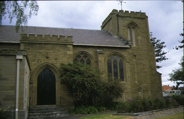 christ church mckillop street geelong church entrance side view