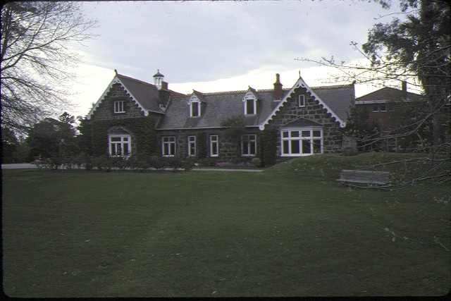1 invergowrie hawthorn front view