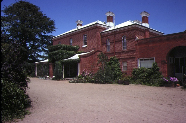 1 ravenswood homestead near bendigo front view nov80