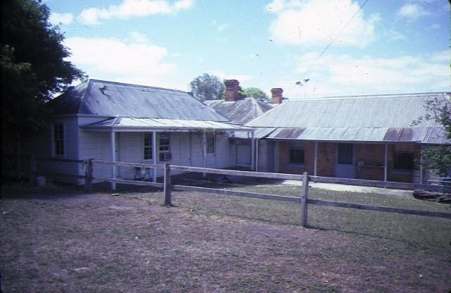 the briars nepean hwy mornington courtyard jan1985