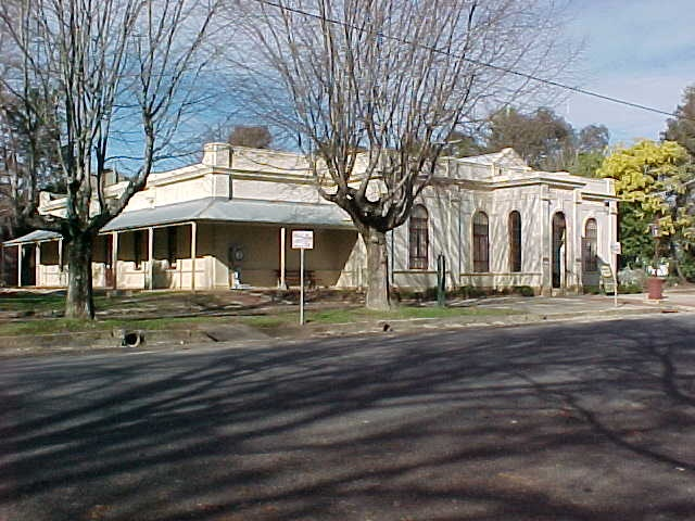 burke museum loch street beechworth front view july 1999