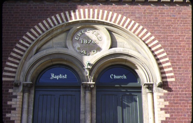 baptist church aberdeen street newtown detail entrance