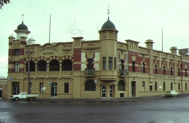 1 provincial hotel ballarat front view sep1990