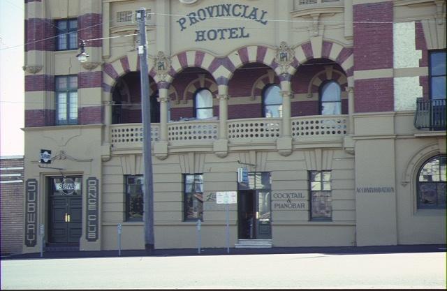 provincial hotel ballarat detail balcony feb1990