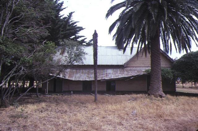 monomeith homestead cranbourne rear view feb1985