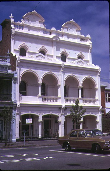 1 cramond house 23 queensberry street carlton front view