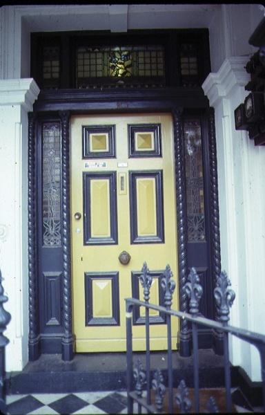 cramond house 23 queensberry street carlton front entrance jul1979