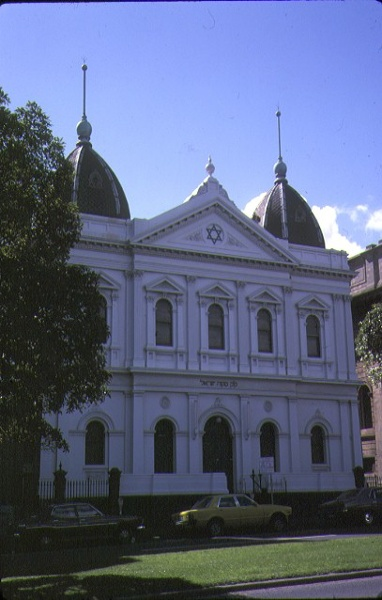 1 east melbourne synagogue albert street east melbourne front view sep1978