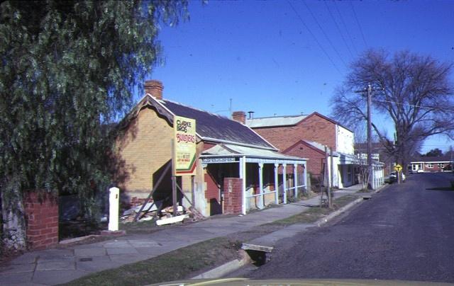 1 residence 6 gisborne rd bacchus marsh street view aug1982