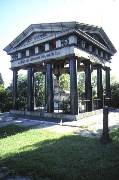 1 springthorpe memorial kew side view