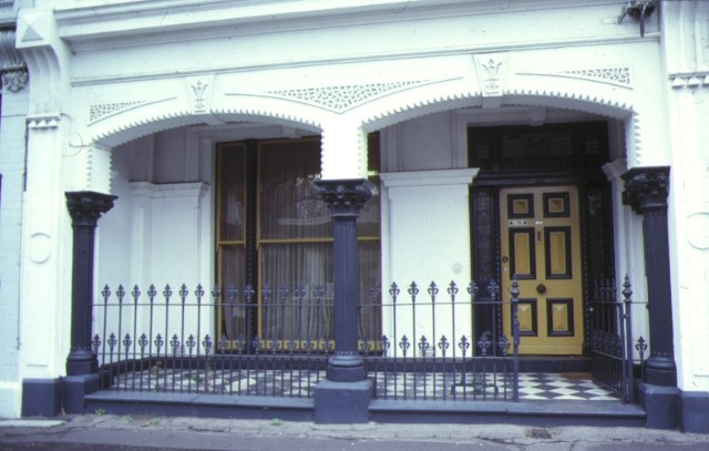 dalmeny house 21 queensberry street carlton front entrance jul1979