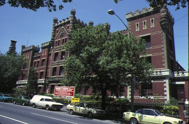 1 former salvation army training garrison victoria prd east melb front view nov1979