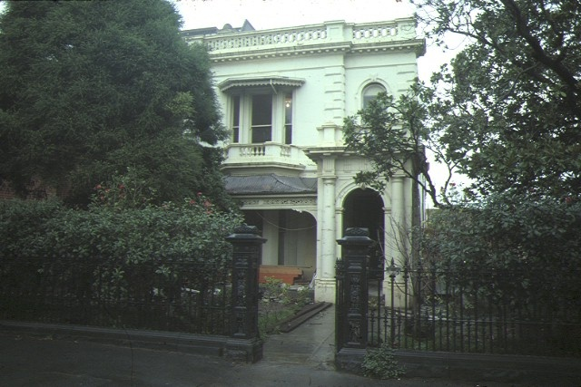 1 residence 193 george street east melbourne front view aug1985