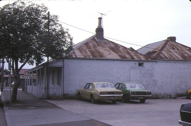 former harp inn packington street geelong west side view jul1984