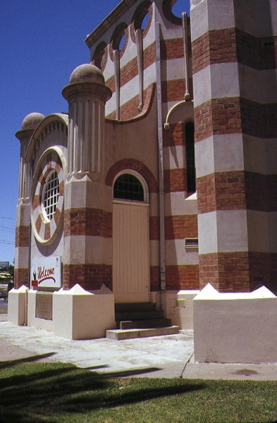 methodist church cnr deakin avenue & tenth street mildura rear entrance nov1989