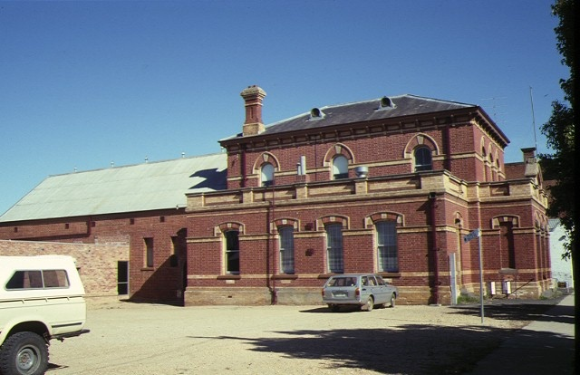 court house town hall dunolly side view