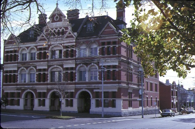 1 queen bess row hotham street east melbourne front view