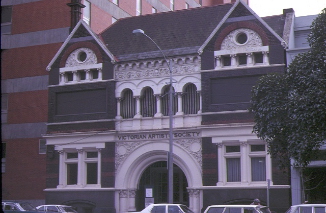 1 victorian artists society albert street east melbourne front view sep1981