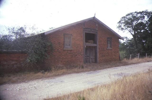 belmont raglan rd beaufort stables mar1985
