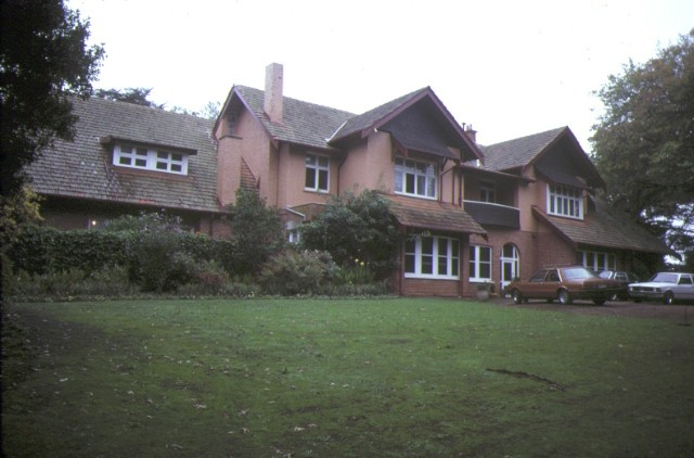 1 edrington berwick front view of house apr1985