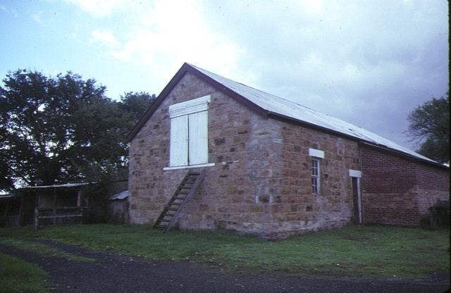 edrington berwick barn apr1985