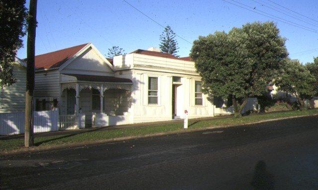 1 former builders inn portland street view aug1985