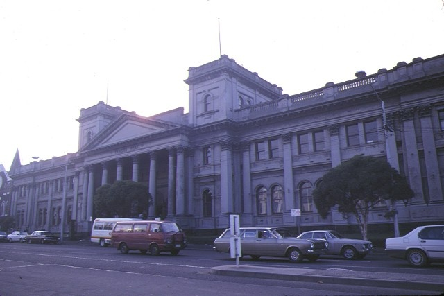 1 trades hall lygon street carlton front view jul1987