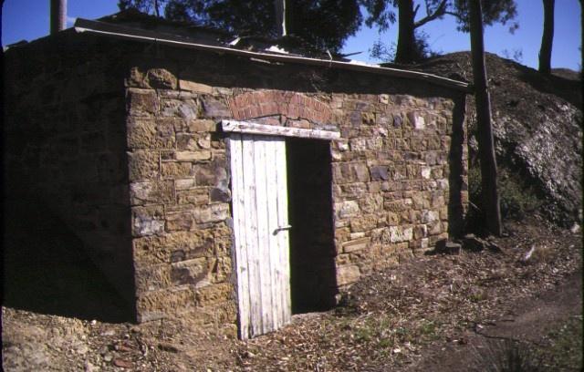 former grieffenhagens winery & homestead emu creek smokehouse may1987
