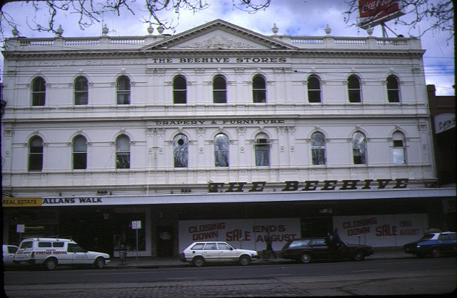 1 former mining exchange building bendigo front view beehive building