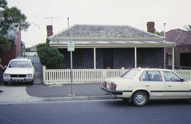 1 cottage bell street coburg front view