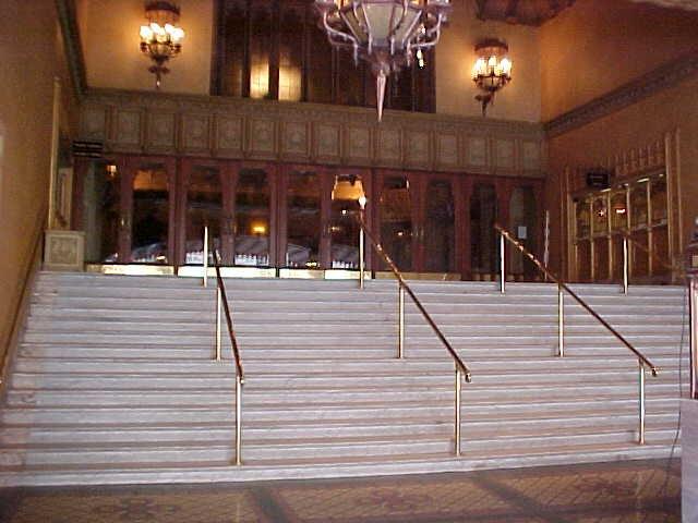 regent theatre collins street entrance steps jul1999