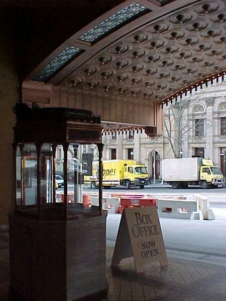 regent theatre collins street verandah detail jul1999