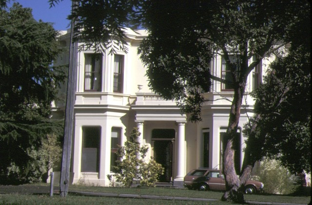 1 greenwich house irving road toorak front view