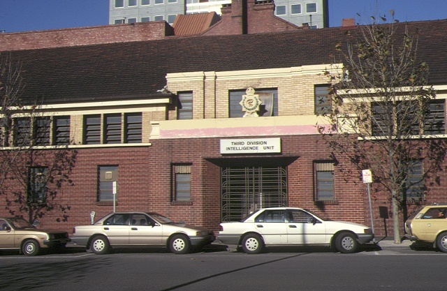 1 former royal australian army medical corps training depot a'beckett street melb front entrance 1990