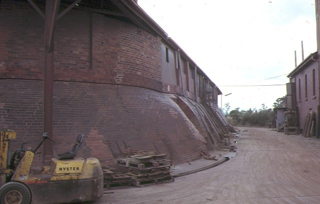 former standard brickworks federation street box hill side view kiln dec1987